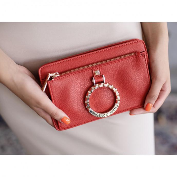 Красный клатч Versace Jeans